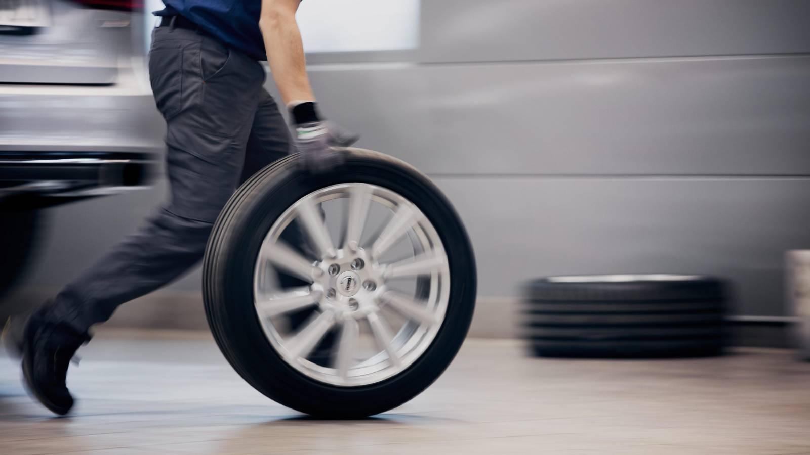 Pneuservis a uskladnění pneumatik